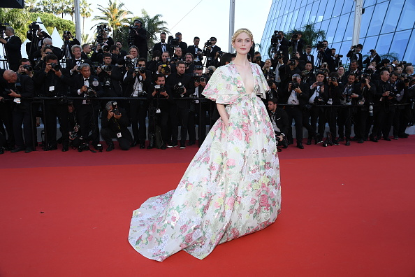 "Elle Fanning「""Les Miserables"" Red Carpet - The 72nd Annual Cannes Film Festival」:写真・画像(12)[壁紙.com]"