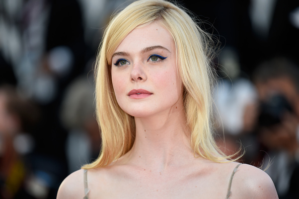 Elle Fanning「70th Anniversary Red Carpet Arrivals - The 70th Annual Cannes Film Festival」:写真・画像(11)[壁紙.com]
