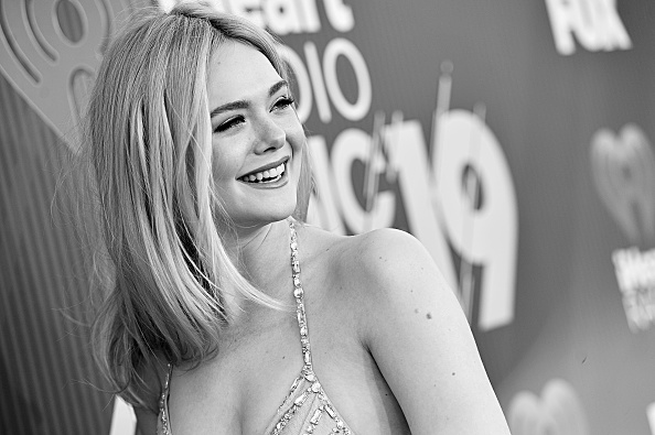 Elle Fanning「2019 iHeartRadio Music Awards – Alternative View」:写真・画像(5)[壁紙.com]