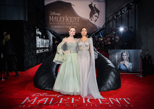 "Elle Fanning「European Premiere Of ""Maleficent: Mistress of Evil""」:写真・画像(2)[壁紙.com]"