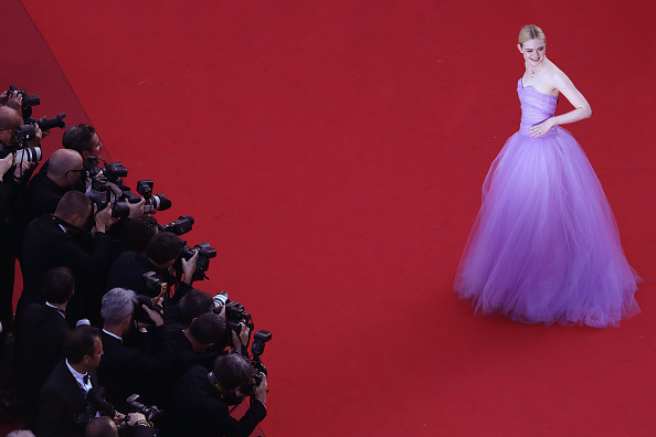 """Elle Fanning「""""The Beguiled"""" Red Carpet Arrivals - The 70th Annual Cannes Film Festival」:写真・画像(17)[壁紙.com]"""