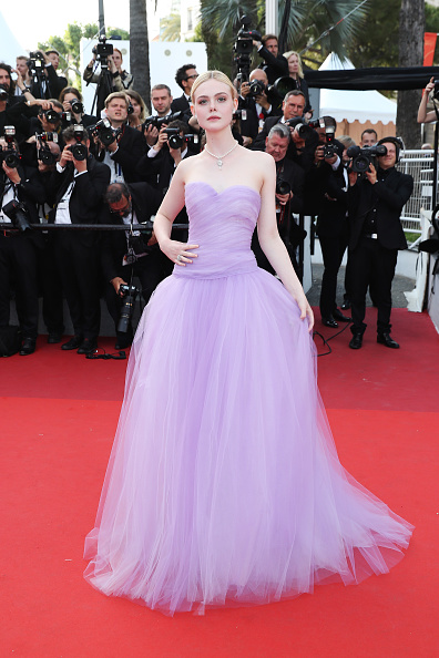 "Elle Fanning「""The Beguiled"" Red Carpet Arrivals - The 70th Annual Cannes Film Festival」:写真・画像(16)[壁紙.com]"