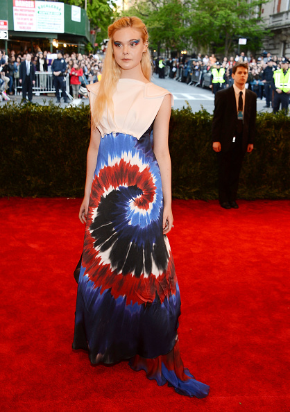 """Elle Fanning「""""PUNK: Chaos To Couture"""" Costume Institute Gala」:写真・画像(9)[壁紙.com]"""