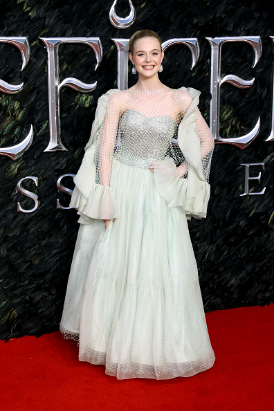 "Elle Fanning「""Maleficent: Mistress Of Evil"" European Premiere - Red Carpet Arrivals」:写真・画像(19)[壁紙.com]"