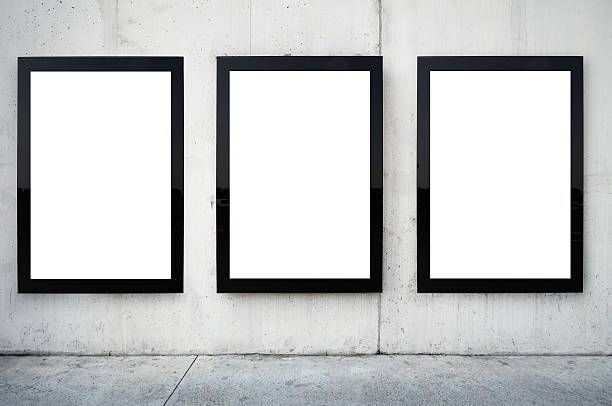 Three blank billboards on wall.:スマホ壁紙(壁紙.com)
