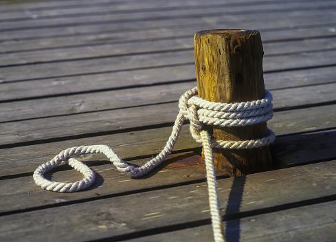 Wooden Post「Knot」:スマホ壁紙(14)