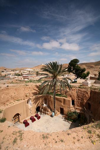 Cliff Dwelling「Tunisia, Matmata, Berber village, Hotel Sidi-Driss, old cave dwelling」:スマホ壁紙(15)
