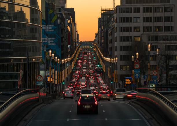 Rue de la Loi at dusk:スマホ壁紙(壁紙.com)