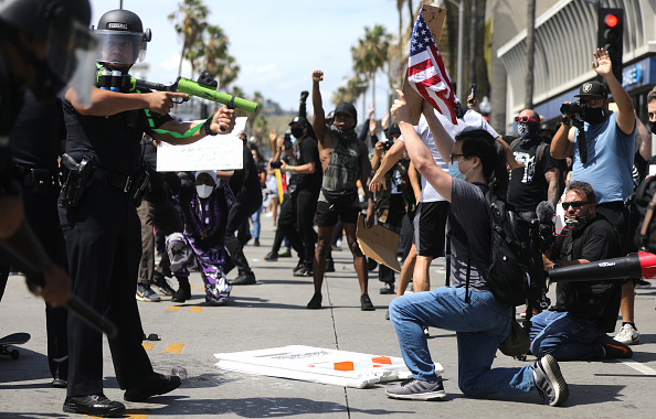 Confrontation「Black Lives Matter Holds Protest In Los Angeles After Death Of George Floyd」:写真・画像(18)[壁紙.com]