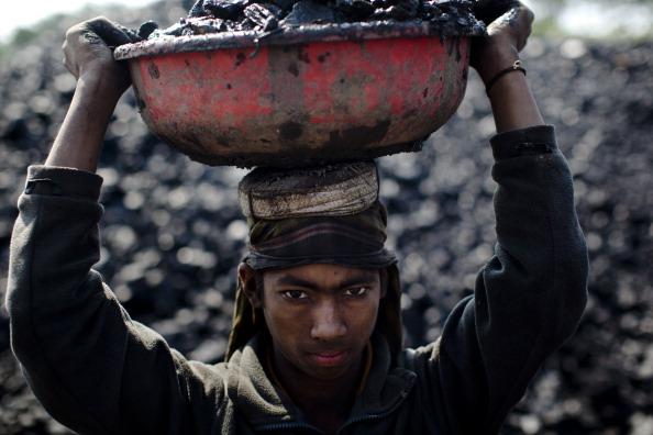 Child Labor「Coal Workers in Jaintia Hills, India」:写真・画像(12)[壁紙.com]