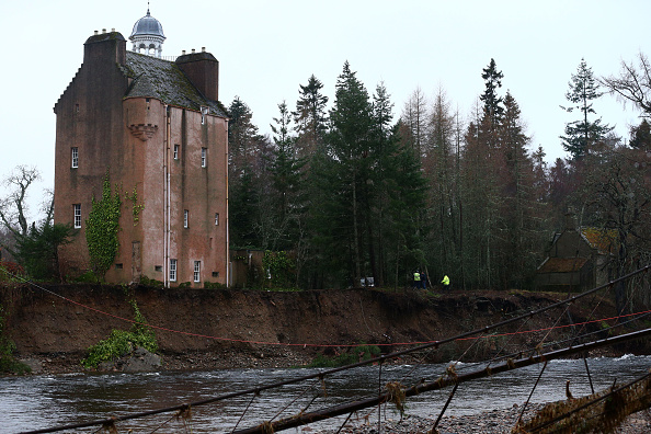 Sweeping「Stormy Weather Continues To Batter Britain」:写真・画像(0)[壁紙.com]