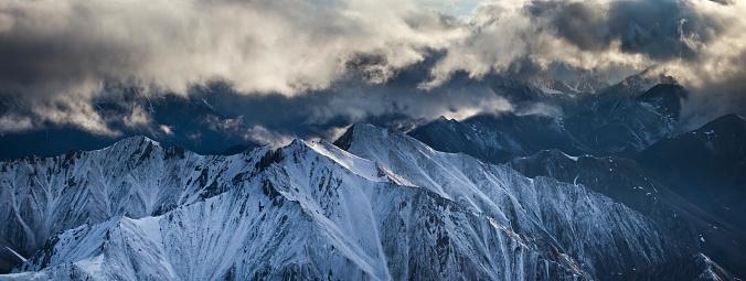Arctic National Wildlife Refuge「Panorama aerial of the Brooks Range mountains」:スマホ壁紙(0)