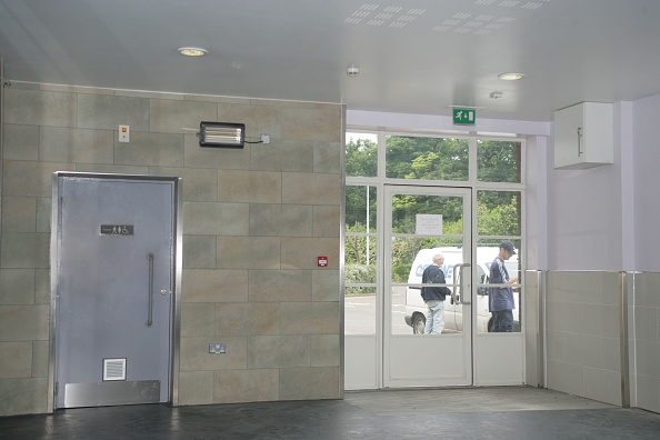 Finance and Economy「Entrance of the bus/rail interchange at Dover Priory station. 2007」:写真・画像(18)[壁紙.com]