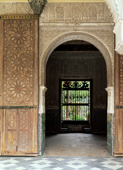 Casa De Pilatos「Entrance of old building with carvings on wall」:写真・画像(3)[壁紙.com]