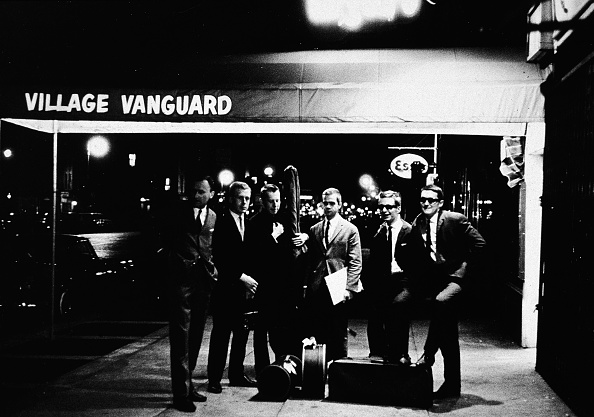 ジャズ「Band Outside Village Vanguard 」:写真・画像(15)[壁紙.com]