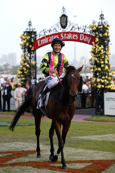 Damien Oliver「Highlights From Emirates Stakes Day」:写真・画像(4)[壁紙.com]