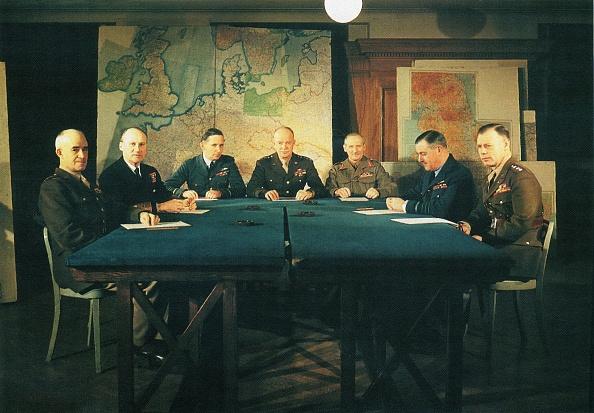 Table「Allied Commanders」:写真・画像(14)[壁紙.com]