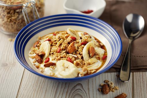 Granola「Healthy granola yogurt bowl」:スマホ壁紙(5)
