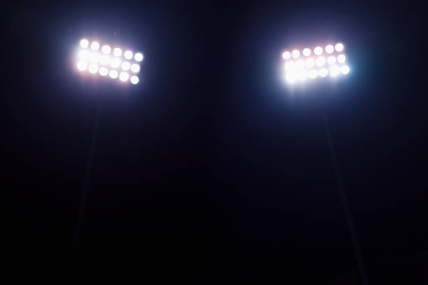 View of stadium lights at night:スマホ壁紙(壁紙.com)