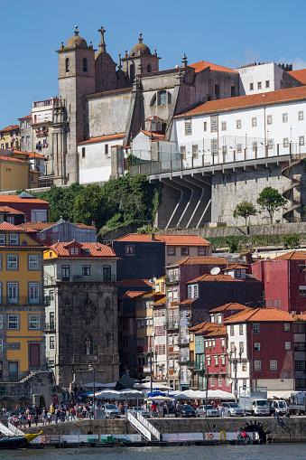 バケーション「Igreja dos Grilos church in the Ribera riverside area of Porto」:スマホ壁紙(16)