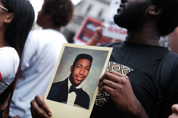 Photograph「Activists Mark Five Year Anniversary Since Death Of Eric Garner, Day After DOJ Announced No Federal Charges For NYPD Officer」:写真・画像(17)[壁紙.com]