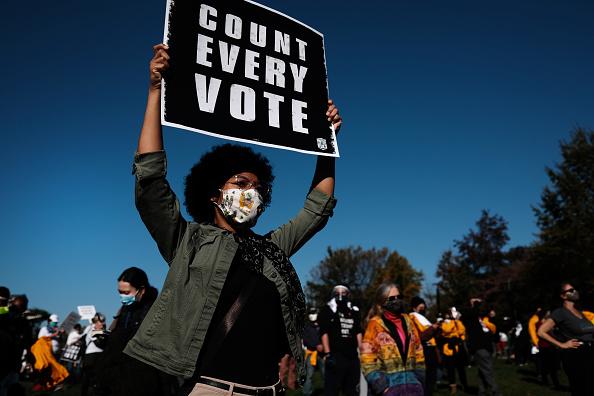 "Pennsylvania「Protestors Hold ""Count Every Vote"" Protest Rally In Philadelphia」:写真・画像(9)[壁紙.com]"