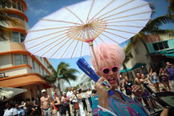 Miami Beach「Gay Pride Parade Held In Miami」:写真・画像(2)[壁紙.com]