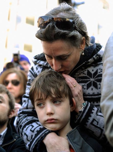 Kevork Djansezian「Memorials And Sunday Services Held In Honor Of Boston Marathon Bombing Victims」:写真・画像(15)[壁紙.com]