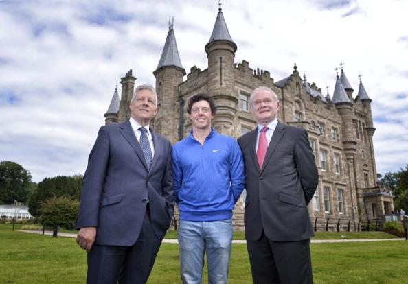 Politics and Government「Open Champion Rory McIlroy Visits Stormont」:写真・画像(12)[壁紙.com]