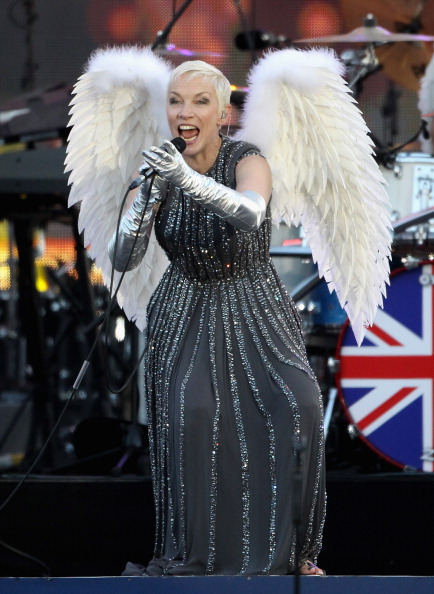 Silver Colored「Diamond Jubilee - Buckingham Palace Concert」:写真・画像(3)[壁紙.com]