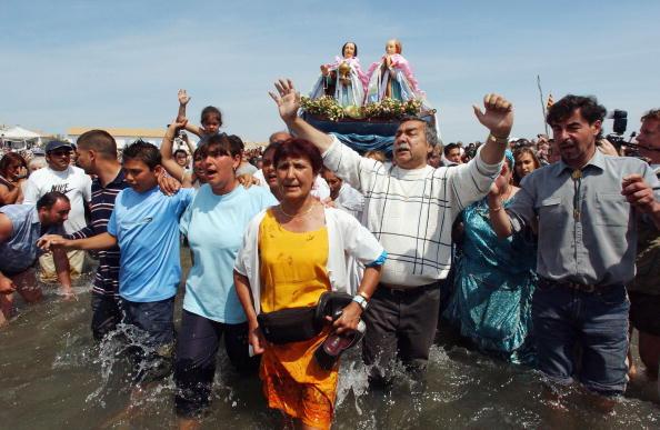 Camargue「Gypsies Celebrate The Procession To the Sea」:写真・画像(10)[壁紙.com]