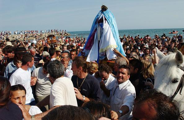 Camargue「Gypsies Celebrate The Procession To the Sea」:写真・画像(5)[壁紙.com]