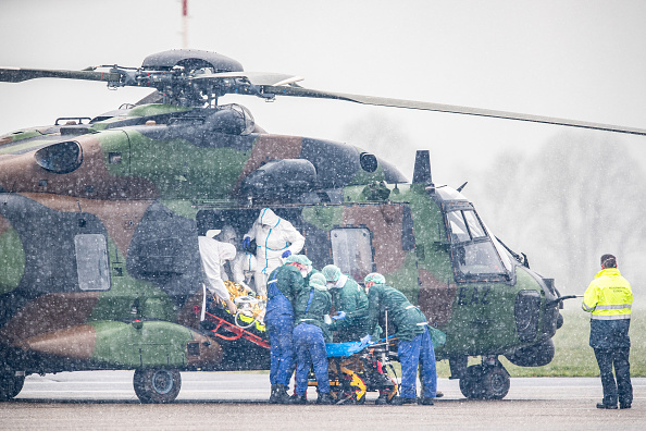 Bestpix「Covid-19 Patients Flown From France And Italy To Germany For Treatment」:写真・画像(7)[壁紙.com]