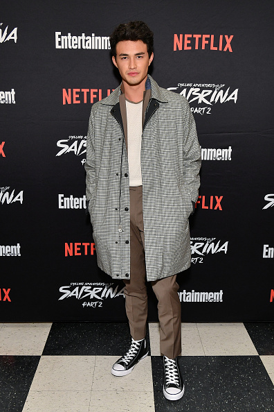 """Entertainment Weekly「Entertainment Weekly And Netflix Host A Screening Of The """"Chilling Adventures Of Sabrina: Part 2"""" In New York」:写真・画像(4)[壁紙.com]"""