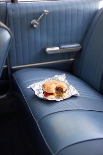Vintage Car「Hamburger on back seat of vintage car」:スマホ壁紙(18)
