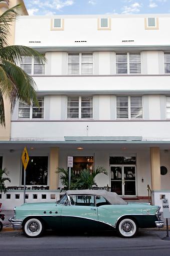 Miami Beach「サウスビーチヴィンテージカー」:スマホ壁紙(7)