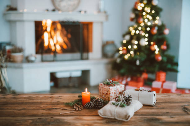Beautifully Christmas Decorated Home  Interior With A Christmas Tree And Christmas Presents:スマホ壁紙(壁紙.com)