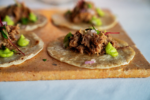Taco「Beautifully Styled Shredded Beef Tacos On Corn Tortillas With Dots Of Guacamole」:スマホ壁紙(8)