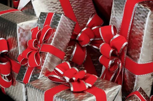 Gift「Beautifully wrapped presents, New York City, New York, USA」:スマホ壁紙(8)