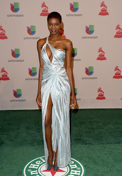 MGM Grand Garden Arena「15th Annual Latin GRAMMY Awards - Arrivals」:写真・画像(9)[壁紙.com]