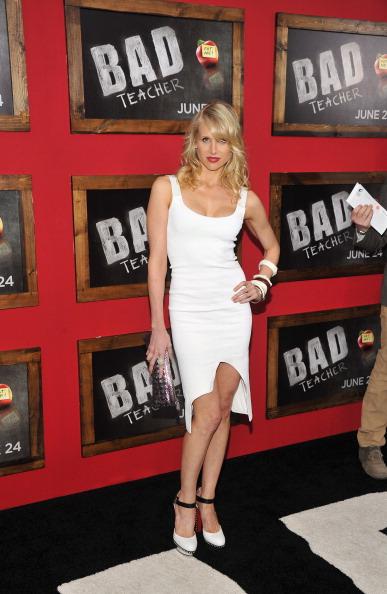 "Cap Sleeve「""Bad Teacher"" New York Premiere - Inside Arrivals」:写真・画像(15)[壁紙.com]"