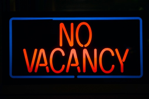 Motel「Neon sign reads ?No Vacancy? for a motel at night」:スマホ壁紙(8)