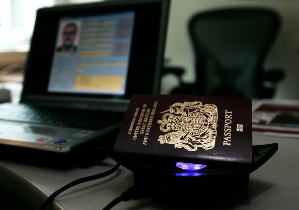 Cultures「High-Tech Microchip Passports Make U.S. Debut」:写真・画像(16)[壁紙.com]