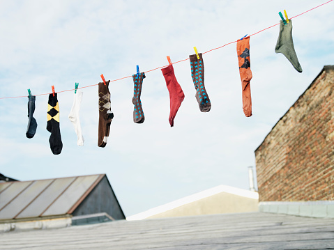 Close To「Socks hanging from clothesline」:スマホ壁紙(11)