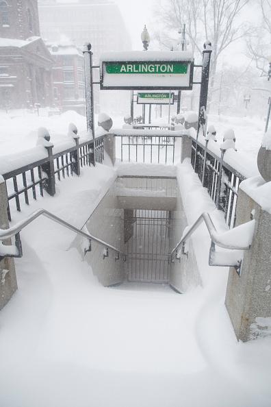 雪「Another Snowstorm Hits Winter-Weary Boston Area」:写真・画像(18)[壁紙.com]