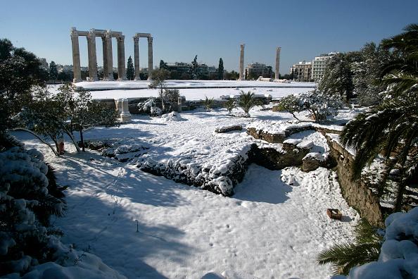 雪「Heavy Snow Cripples Greece」:写真・画像(11)[壁紙.com]