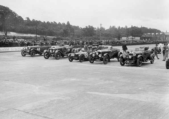 CG「Cars on the start line at the JCC Members Day, Brooklands, 4 July 1931」:写真・画像(13)[壁紙.com]