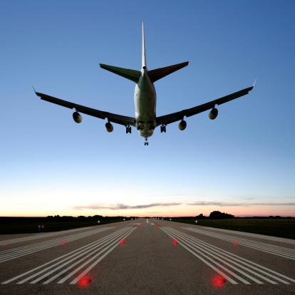 Approaching「XXXL jumbo jet airplane landing」:スマホ壁紙(19)