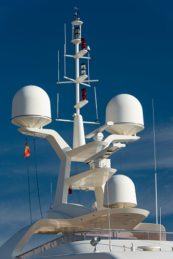 Passenger「Communication and safety equipment onboard yacht, Denia, Alicante province, Spain」:スマホ壁紙(3)