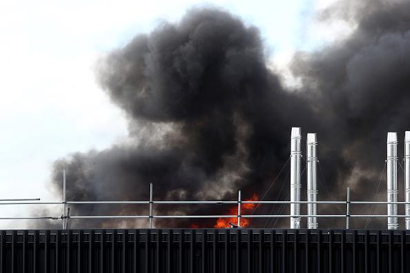 Auckland「Smoke Blankets Auckland CBD As Fire Burns At SkyCity Convention Centre」:写真・画像(16)[壁紙.com]